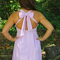 Our Always On My Mind Dress in Pink Seersucker is ADORABLE! It has a rounded V halter style neckline, pleated skirt and an open back with a large bow! This dress is perfect for Sunday Brunch or a day by the lake.It is made from 100% Polyester