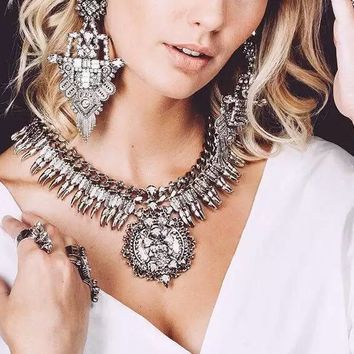 Vintage Necklace Set With Earring Crystal Exaggerated Big Statement Necklace