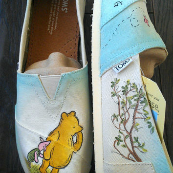 Winnie the Pooh and Piglet Custom (Classic Disney Illustration Pictured)