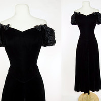 1980s black velvet dress, fit and flare off shoulder sweet heart bodice w/ bows & ruched sleeves, full A line skirt and elastic back, Medium