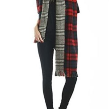 Reversible Plaid Scarf in Red and Black MSF0967