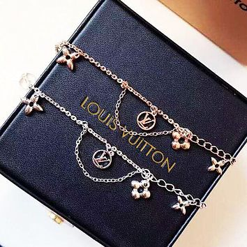 LV Louis Vuitton Fashion Women Delicate Stainless Steel Bracelet Hand Catenary