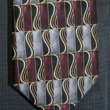 Pierre Cardin 100% Silk Made in USA Silver and Purple Patterned Mens Tie