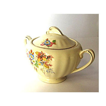 Sugar bowl. Mid century ceramic. Floral china. Gold trim. Trinket bowl. Ceramic sugar bowl. Porcelain sugar bowl. With lid. MeakiN. J and G.