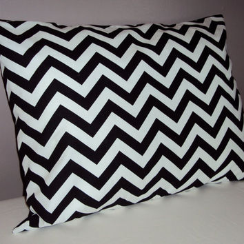 One Standard Bed Pillow Sham In Black and White Chevron Zig Zag