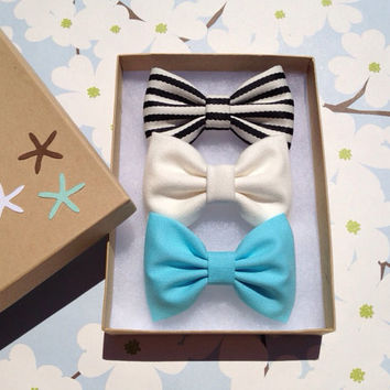 Striped tiffany blue and winter white bow lot by theSeasideSparrow