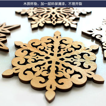 Vintage Retro Snowflower Hollow Wooden Carved Coasters Table Pad Coffee Shop Bar Tea Coffee Cup Mat