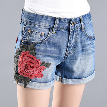Short Jeans 2017 Summer Sexy Appliques Rose Style Women Shorts Embroidery High Waist Casual Denim Short Pants