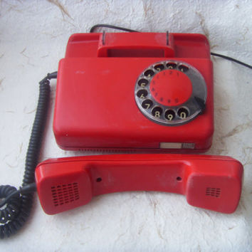 Rare Vintage Polish Red Rotary Telephone Tulipan 319 Made in Poland in 1989.