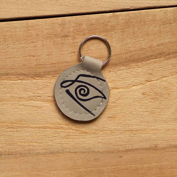 Dark Tower keychain, Stephen King leather keychain, Crimson Eye sign keychain, Crimson King leather keychain, upcycled leather keychain