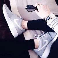 NIKE tanjun kaishi One Women Casual Sport Shoes Sneakers Grey