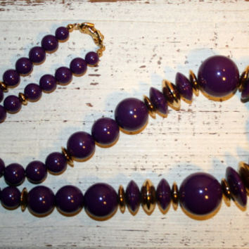 Purple Necklace Purple Bead Necklace Chunky Bead Graduated Beads Purple Jewelry 80s Jewelry 80s Necklace Chunky Jewelry Single Strand
