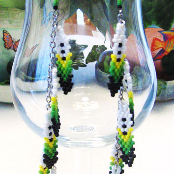 Native American Inspired Beaded Feather Dangle Earrings On Silver Chain,Drop Earrings,Chains,Feathers,Beads,Green,Shoulder Duster Earrings