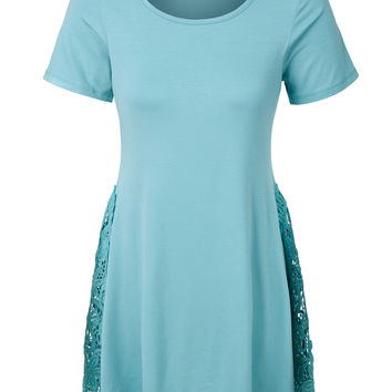LE3NO Womens Flowy Short Sleeve Crochet Tunic Top with Asymmetrical Hem