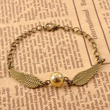 Golden Snitch bracelet, Golden Snitch, Harry Potter Bracelet, Harry Potter Gift