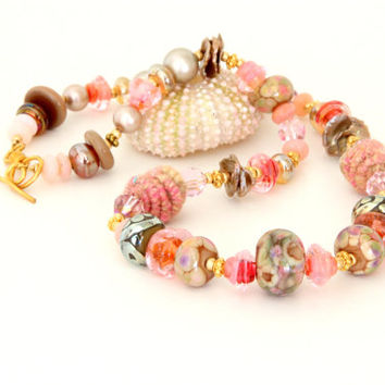 Coral and Gold Glass Bead Necklace. Peach-Pink Lampwork and Fiber Bead Chunky Necklace. Lampwork Bead Jewelry. Holiday Gift Ideas.