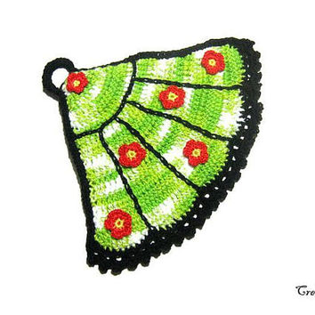 Black and Green crochet fan potholder with Red flowers, Presina ventaglio all'uncinetto nera e verde con fiori rossi