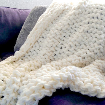 Soft Arm Knit Blanket, Chunky knit throw, arm knitted wool, wool knit blanket, hand knitted throw, soft wool blanket, handmade white blanket