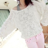 Spring Summer Pretty Roses White Long Sleeves Pullover Top. Textured