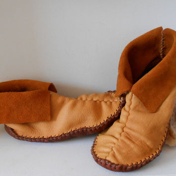 Short Moccasins, Center Seam, Slip On, Traditional Native American, Handmade, Handsewn, Natural, Earthing Shoes, Hippie, Boho, Woodland