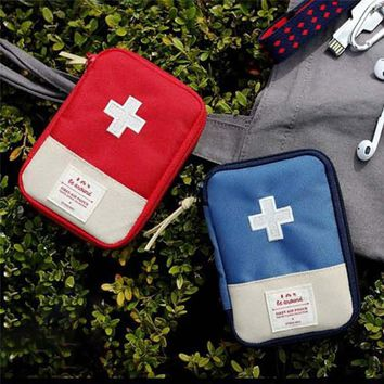 Protable First Aid Kit Pouch Emergency Medical Bag Medicine Drug Pill Box Home Car Survival Kit Storage Case 600D Oxford Pouch