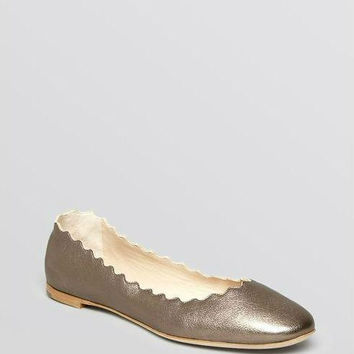 Chloé Women's Metallic Scallop Ballet Flat Platinum Leather