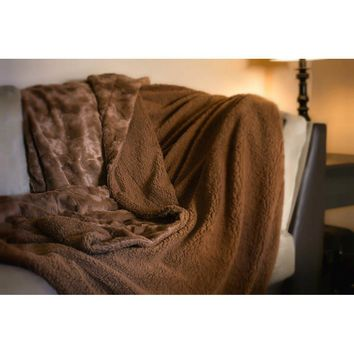 Luxury Solid Cinnamon - Mocha Brown Wooded River Faux Fur with Sherpa Backside Soft Throw Blanket