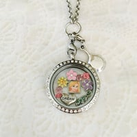 Rapunzel Tangled inspired sliver stainless steel memory locket comes with choice of stainless steel chain