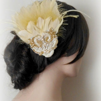 Fascinator, Bridal Fascinator,Light Gold Feather Fascinator, Head Piece, Wedding Hair Accessories, Wedding Hair Piece, Prom, Vintage Wedding