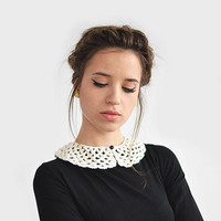 Crochet collar with black pearl button / Hand Crocheted