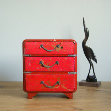 Oriental wooden jewelry box, japanese cranes.