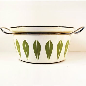 Vintage Scandinavian Mid-Century Modern Cathrineholm Lotus Dutch Oven Casserole in Cream and Avocado Green