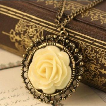 SUSENSTONE Woman Jewerly Retro Pendant Chain Sweater Coat Long Collar Necklace Crystal Vintage Choker Statement Necklace