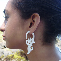 Fake Gauge Earring, Bone Split Gauge Earrings, Expander, Cheater, Fancy Craved, Pumleria Flower