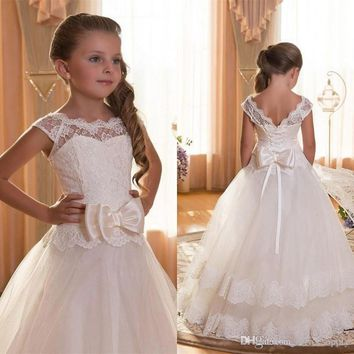 2017 First Communion Dresses For Girls Scoop Backless With Appliques and BowTulle Ball Gown Pageant Dresses For Little Girls