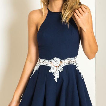 Halter Lace Designed Waist Pleated Dress