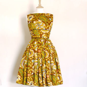 Size UK 14 (US 12) - 1970's Psychedelic Print Tiffany Prom Dress - Made by Dig For Victory