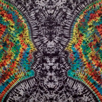 Face or Vase Illusion Tie Dye Tapestry!