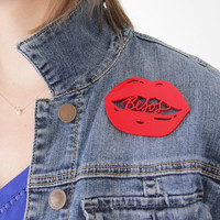 Read My Lips Happy Pin