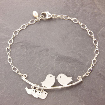 Love Birds Bracelet, mom bracelet, family bracelet, bird family, mom and daughter, mother daughter, new parents, mothers jewelry, B4