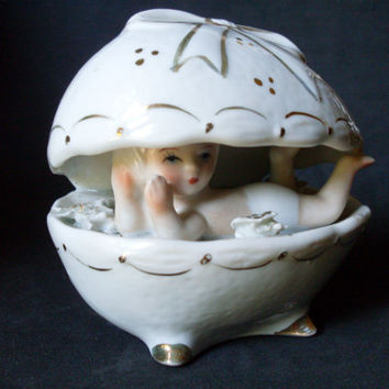 Egg of Capodimonte Hand Painted for New Born Gift (baby) marked circa: 1960s