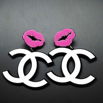 Chanel exaggerated atmosphere big mouth big earrings Purple