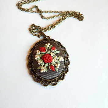 Red Rose Necklace, Filigree Pendant Necklace, Long Necklace, Vintage Necklace, Flower Bouquet Necklace, Antique Style Jewelry