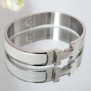 onetow One-nice? Perfect Hermes Woman Fashion Logo Enamel Bracelet