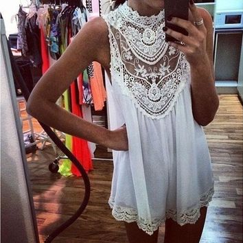 ONETOW HIGH COLLAR LACE WHITE DRESS