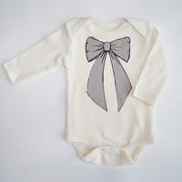 Sweet Bow Organic Long Sleeve Bodysuit in Natural