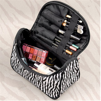 2017 Free shipping 10Colors Cosmetic Bag Lady Travel Organizer Accessory Toiletryl Zipper Make Up Bag Holder Storage Bag S386