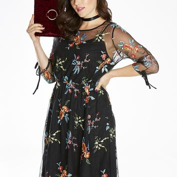 Embroidered Ruched Sleeve Dress | SimplyBe US Site