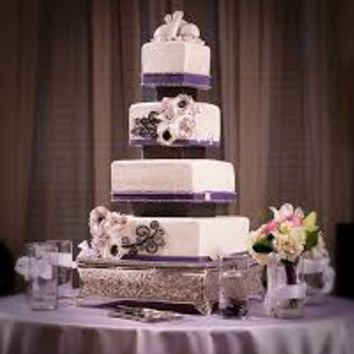 plum wedding cakes - Google Search
