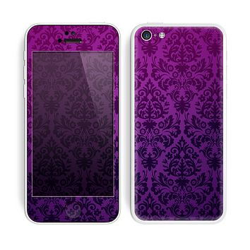The Purple Delicate Foliage Pattern Skin for the Apple iPhone 5c
